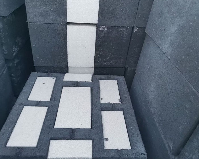 填芯复合自保温砌块